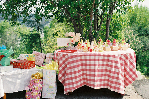 5-strawberry-first-birthday-party-snippetandink-leah-mccormick