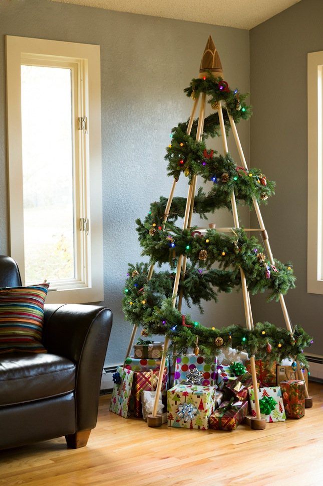 modern-wood-christmas-tree (1)