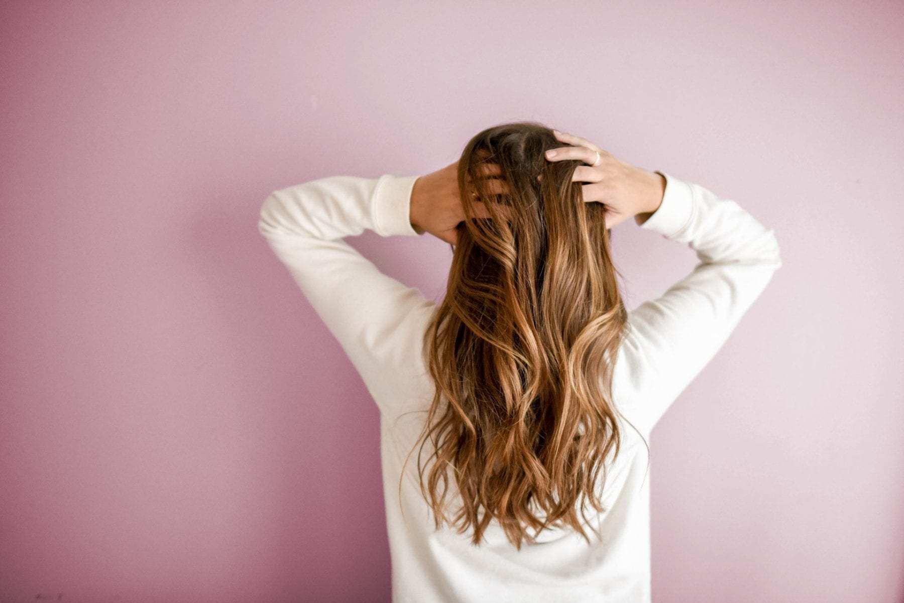 Топ-7 шампутей, которые лучше всего сохраняют свежий вид волос