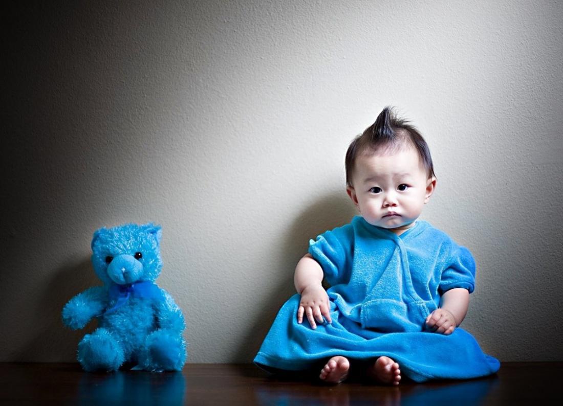 Топ-5 самых необычных ритуалов над новорожденными в мире и на Руси